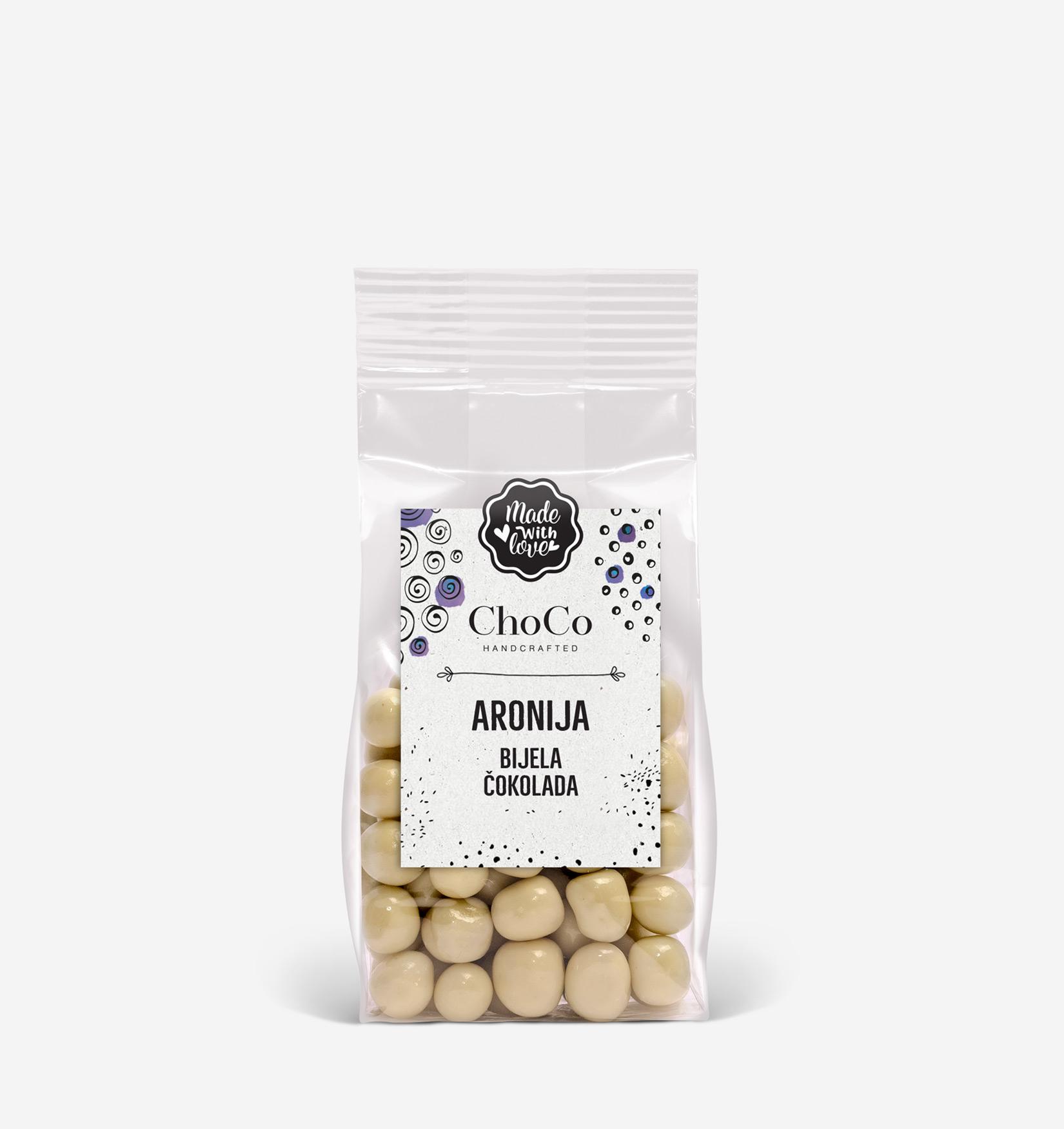 Aronija u bijeloj čokoladi